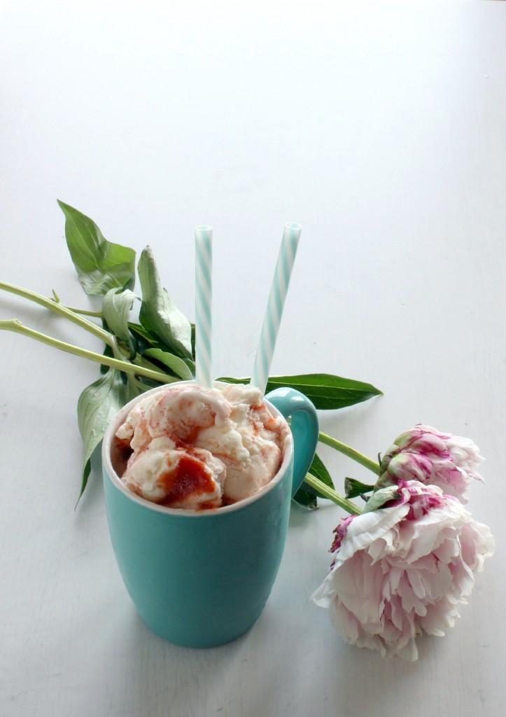 gelato variegato al pomodoro