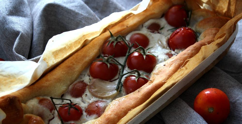 torta rustica con pomodorini